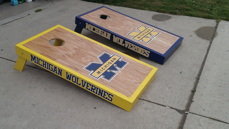 Michigan Stained Cornhole Set