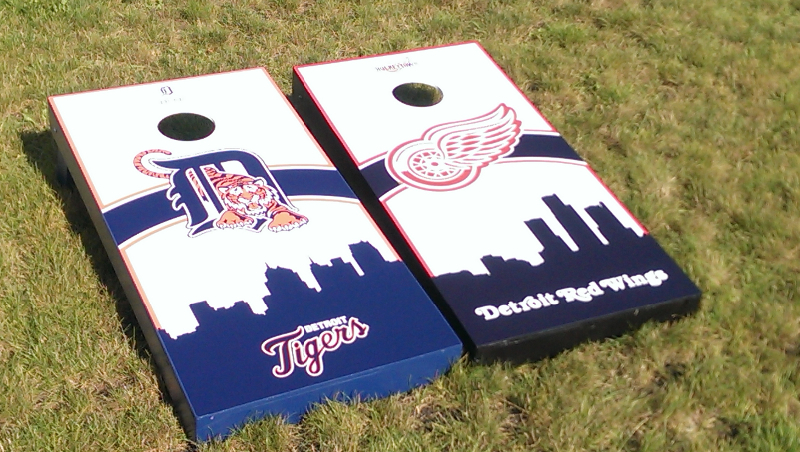 Tigers / Red WIngs Cornhole Set