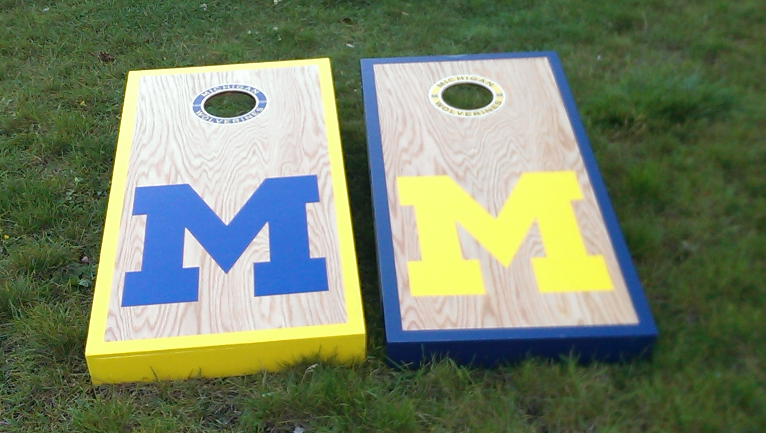 Michigan Cornhole Set